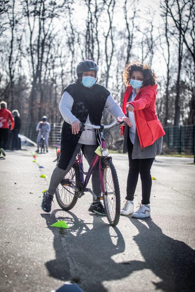 Vrouwen leren fietsen Genk Mine Dalemans 8 van 8